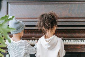 playing piano like neurofeedback